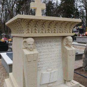 Rzeżba cmentarna